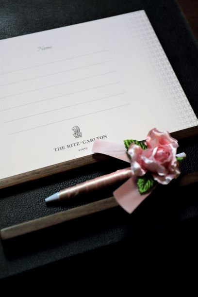 結婚披露宴のウエルカムスペースを素敵に飾ろう~フラワーペン編~