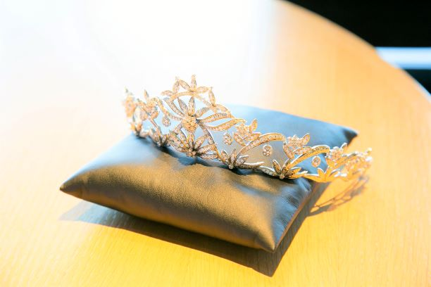 結婚式で憧れのティアラ!レンタルで本物ダイアの輝きがオススメ!